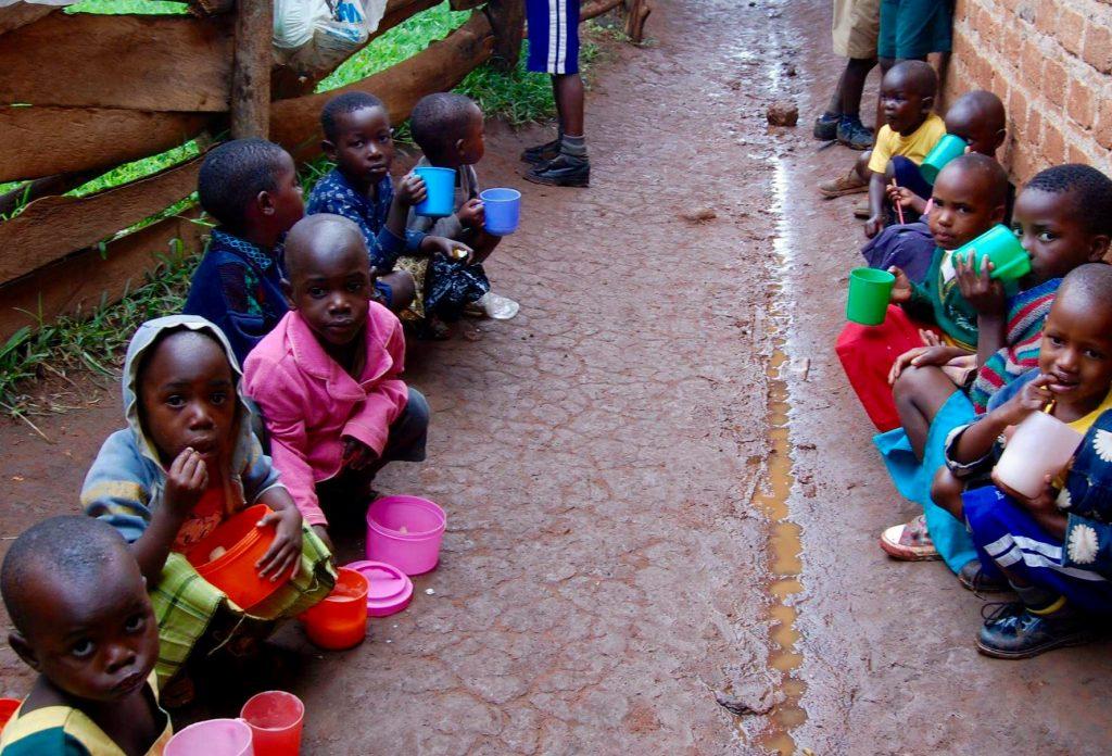uganda_kids_mud
