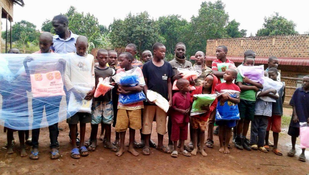 uganda_chidren_blankets
