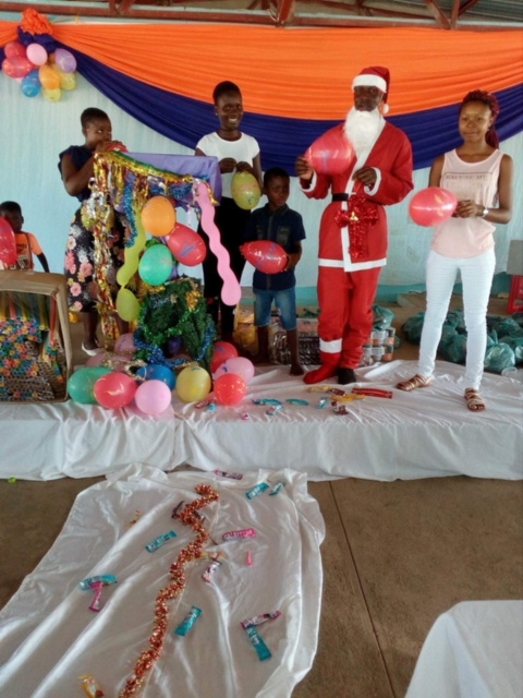 orphans_christmas_stage