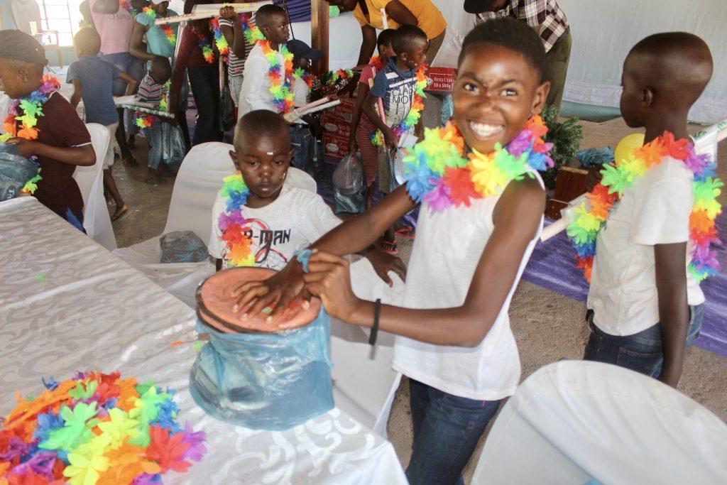 orphans_xmas2019_smiling